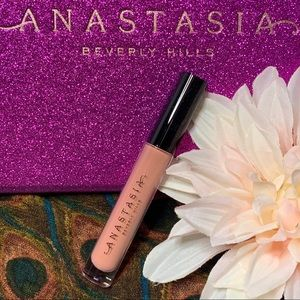 🐼 UNDRESSED lip gloss by Anastasia Beverly Hills